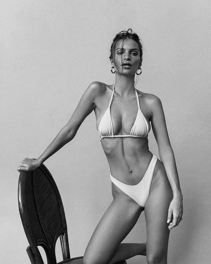 Самая сексуальная модель мира похвасталась фоткой в бикини