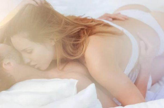 Сексолог объяснила, в чем различие стадии плато от пика интимного наслаждения