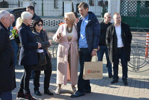 Соратница Тимошенко выгуляла на выборах неприлично дорогую сумку