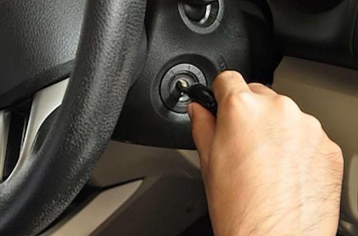 Почему автомобиль не заводится: названы шесть основных причин
