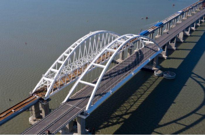 Крымский мост рухнет сам: стало известно о масштабной проблеме оккупантов