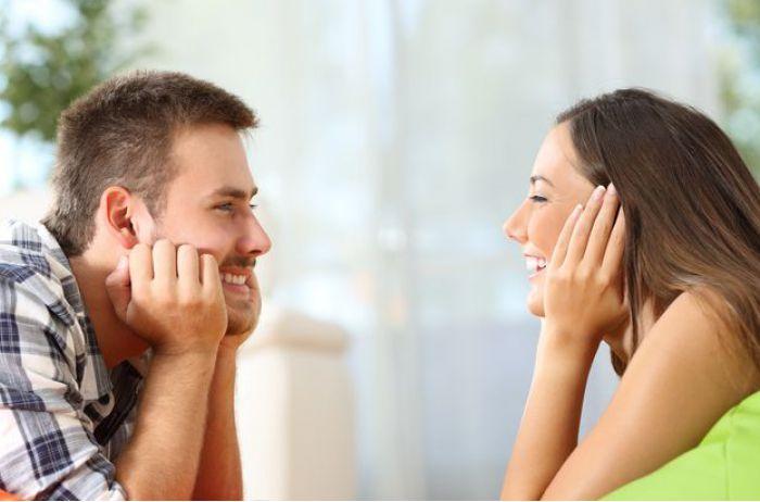 Тельцы не выносят дур, Овны смотрят на внешность: каких девушек предпочитают мужчины