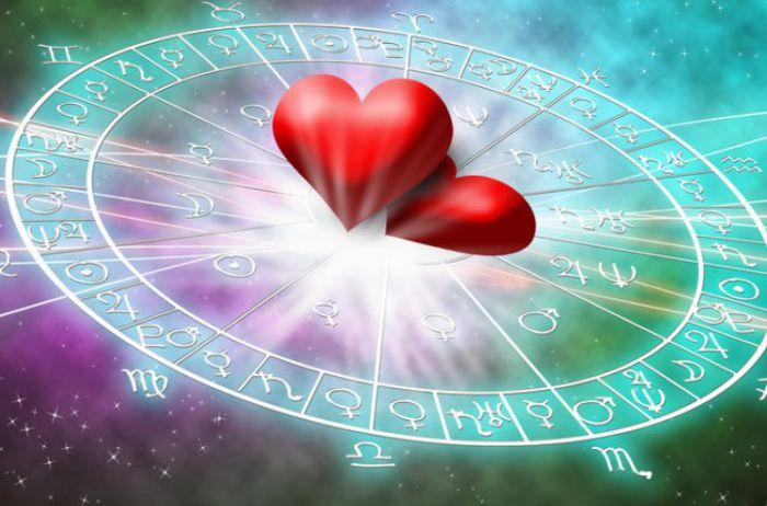 Любовный гороскоп на 6-12 мая: кому предстоит делать выбор