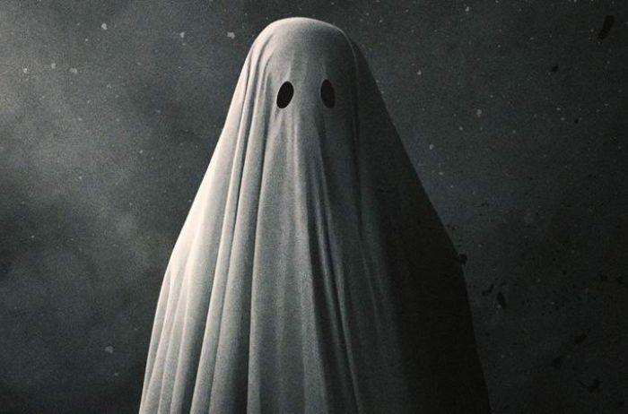 Призрак попал на видео в доме жительницы Иллинойса
