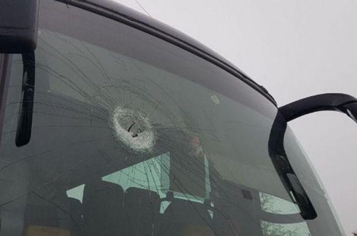 Под Кривым Рогом напали на автобус, везший людей праздновать День Победы