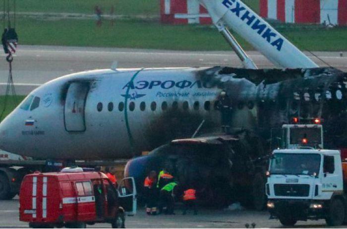 Если самолет горит. Краткая инструкция, которая позволит спасти жизнь