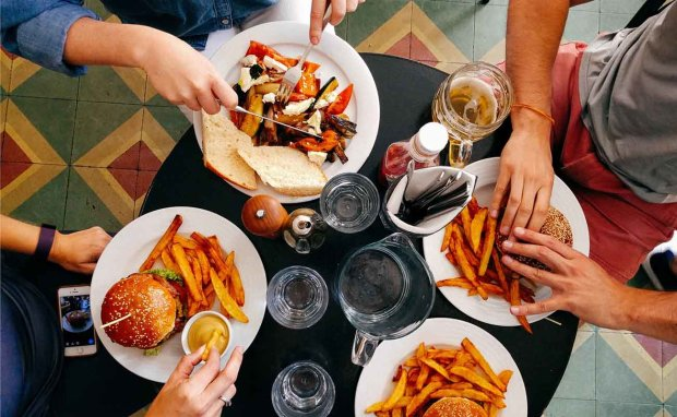 Лучше не приближаться к этим продуктам: совет, который позволит сохранить здоровье