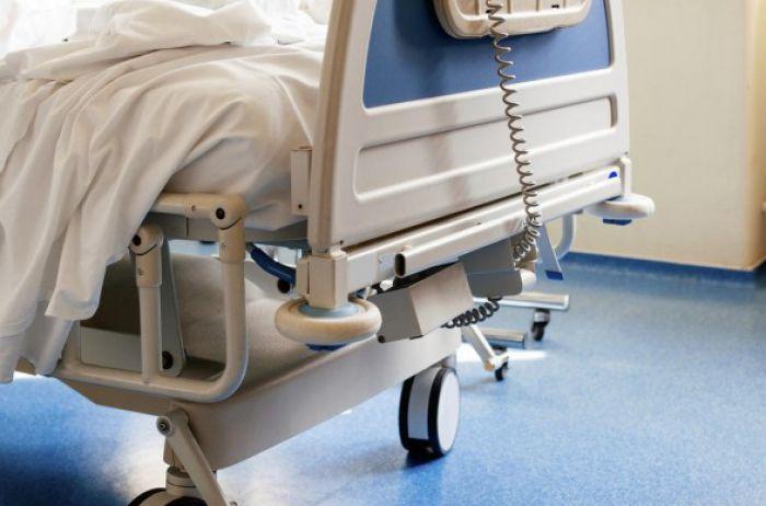 В больнице Днепра доктора не смогли спасти раненого в зоне ООС военного