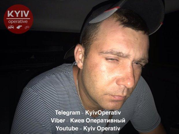 Киевляне устроили самосуд над пьяным военным, сбившем ребенка