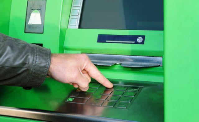 ПриватБанк огорошил наплевательским отношением к клиентам: разразился скандал