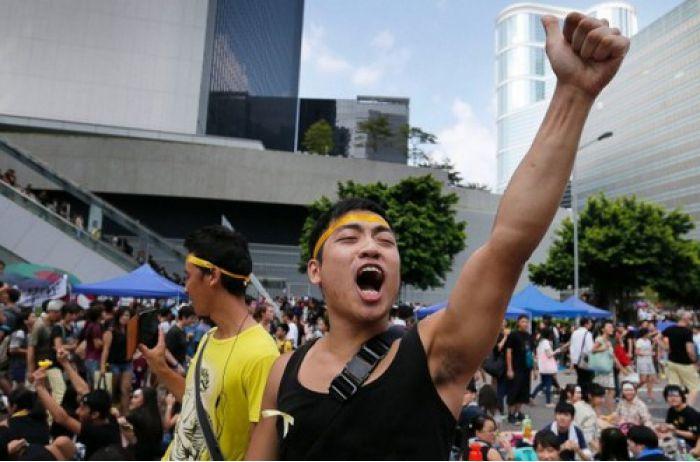 Гонконгские сайты для взрослых перестали работать и призвали людей выходить на протесты