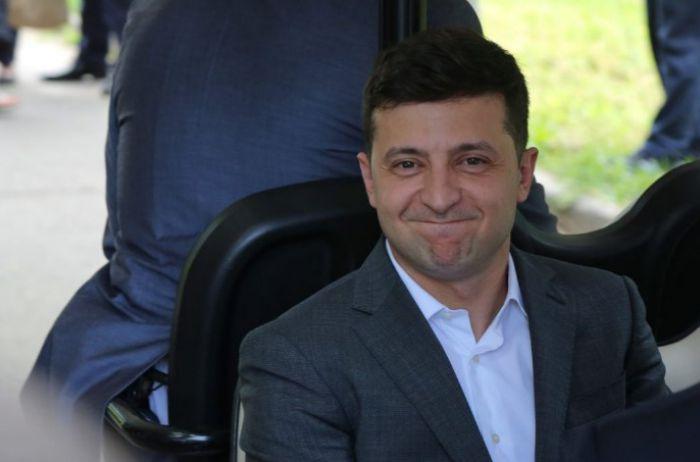 """Украинцы ликуют: Зеленский порвал """"пятую точку"""" фанатов Порошенко"""