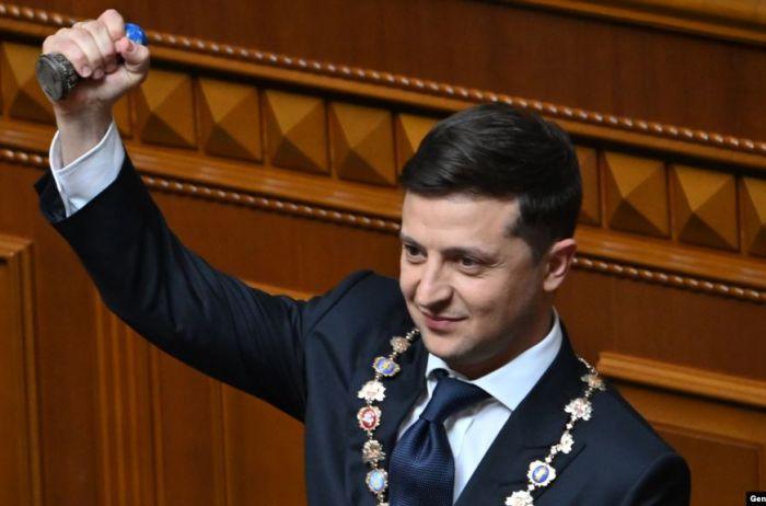 Первый месяц Зеленского: как украинцы оценивают работу нового Президента