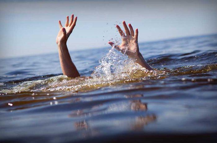 Страшная трагедия: отец с дочкой утонули на глазах у матери. ФОТО