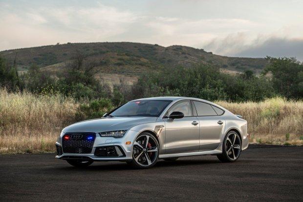В Сети показали самую быструю бронированную Audi со спецсигналами