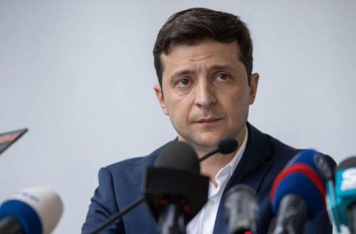 Зеленского возмутил факт получения одесским чиновником зарплаты, которая в 5 раз превышает президентскую