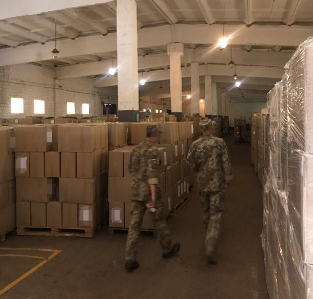 СБУ предотвратила поставку в части ВСУ 180 тонн некачественных консервов