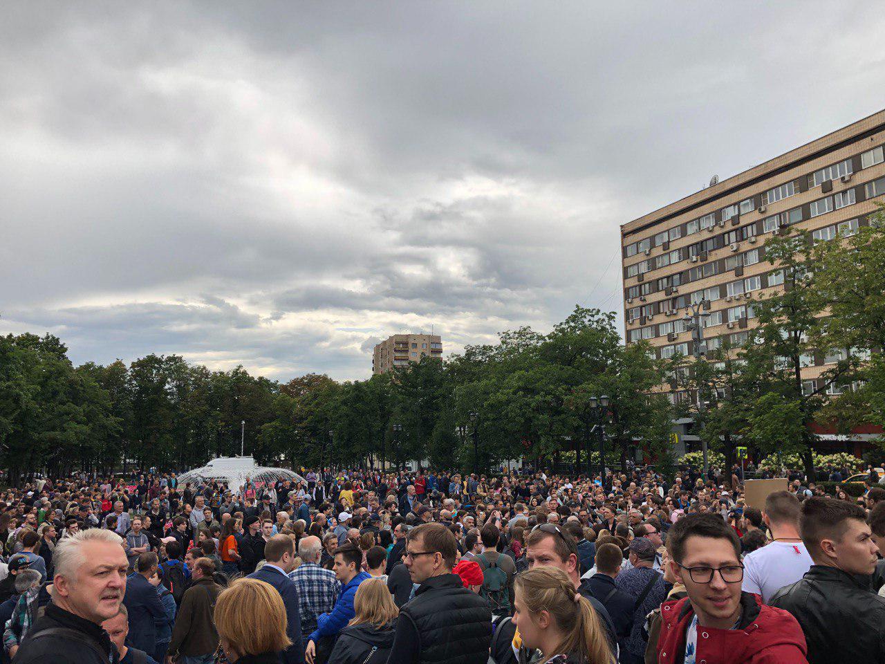 Улыбнись, если против Путина: Москва поднялась на масштабный протест. ФОТО, ВИДЕО