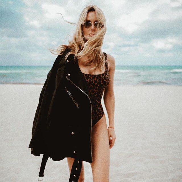 Брутальная Лобода в откровенном купальнике поразила ФОТО на пляже