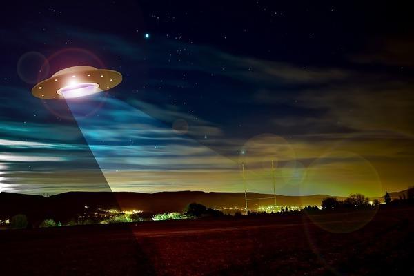 В Сети описали два случая, когда НЛО выводили из строя военную технику