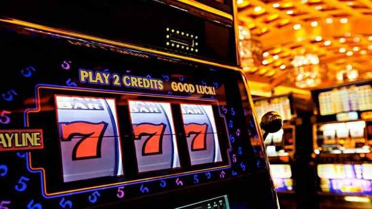 Зеленский собрался легализовать казино в Украине: заявление