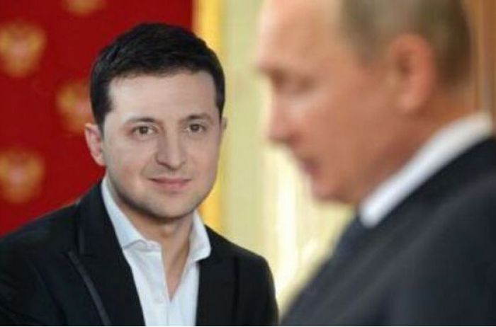 «Младший брат» не совсем младший: как Зеленский сокрушительно ударил по Путину