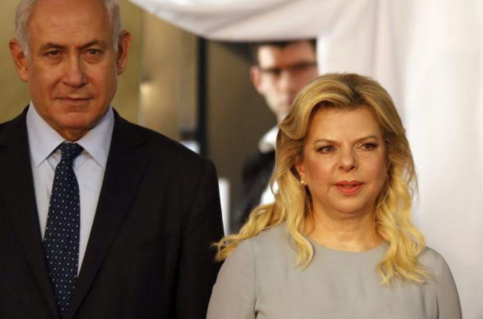 Жена Нетаньяху бросила на землю хлеб-соль по пути в Киев. Что произошло. ВИДЕО