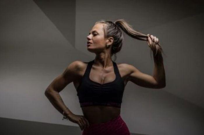 Украинская фитнес-модель с необычными формами покорила мужчин по всему миру