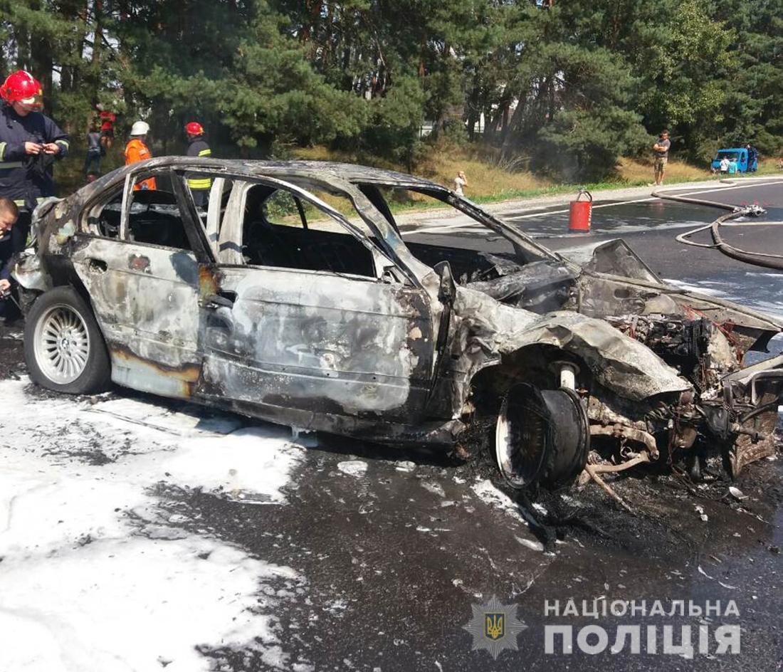 Под Житомиром столкнулись микроавтобус и BMW: пострадали 24 человека. ФОТО