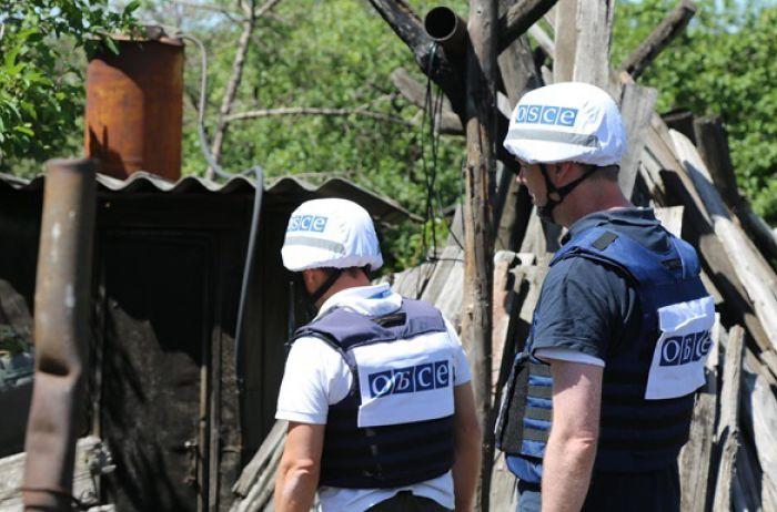 Чудом остались живы: в зоне ООС боевики обстреляли наблюдателей ОБСЕ