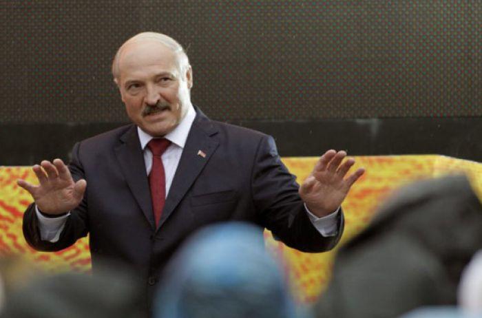 Генерал: Лукашенко закриває кордон не через зброю