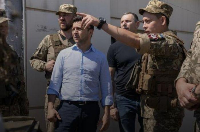 """""""Слезы наворачивались на глаза"""": генерал рассказал о поступке Зеленского на Донбассе"""