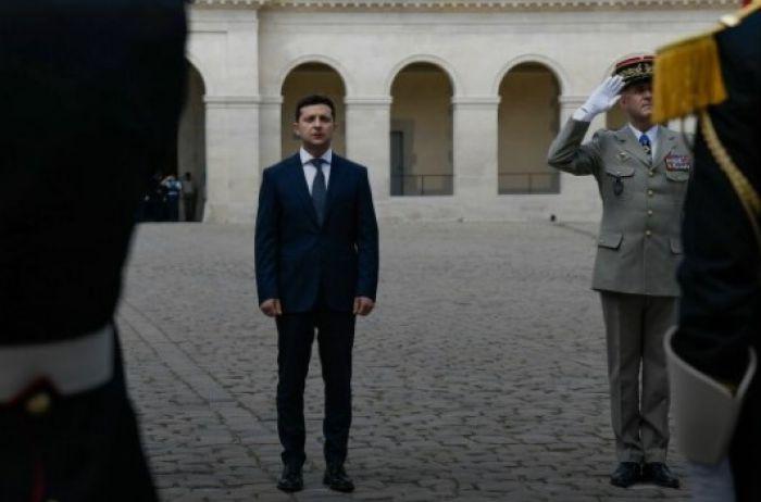 Зеленский отменяет налоги, пенсии могут забрать: главные события за ночь