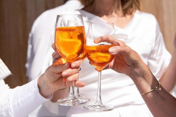 Алкоголь украинцы будут покупать по новым правилам: что изменится