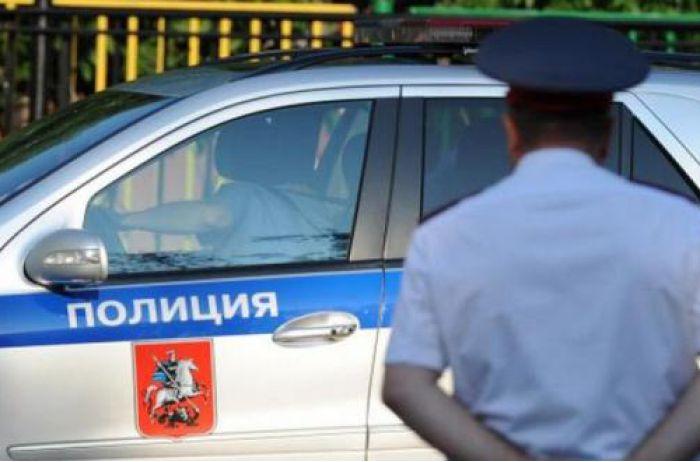 В российском МВД скандал из-за красавицы в форме и на четвереньках. ФОТО