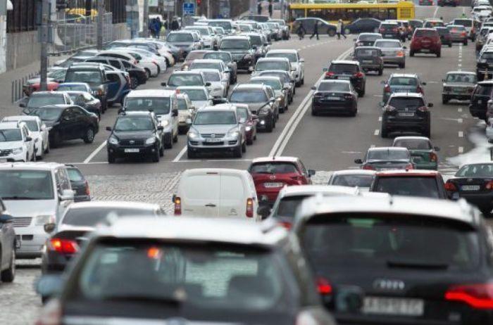 Киев стоит в пробках: какие улицы лучше объезжать стороной. КАРТА