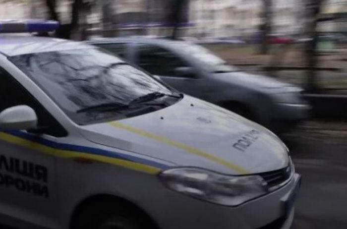 """Посмотрите в это лицо: полицейские разыскивают любителя чужих """"малышек"""""""