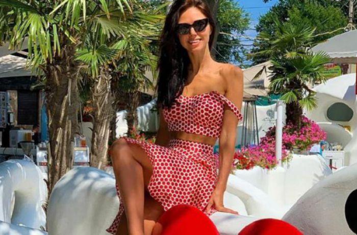 Виктория Смеюха бесстыдно потрясла прелестями в тонком белье