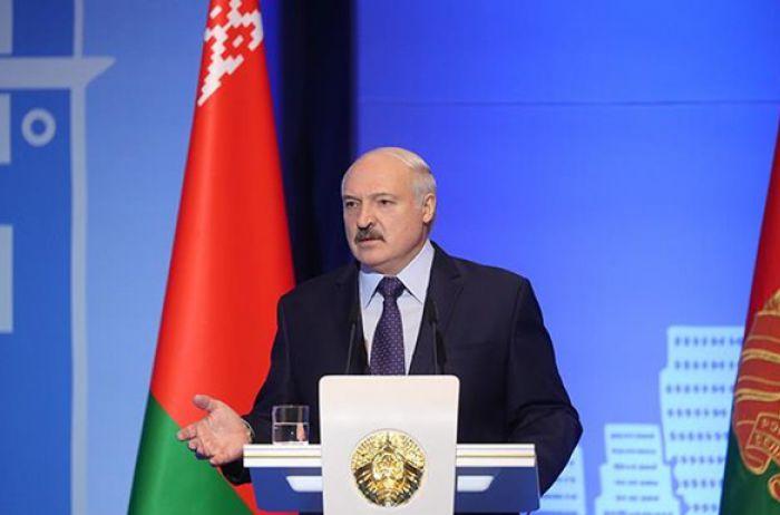 Лукашенко: Украину «подарили» американцам и НАТО