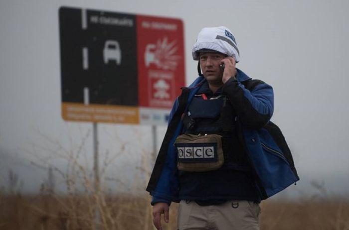Миссия ОБСЕ зафиксировала в Золотом присутствие вооруженных людей