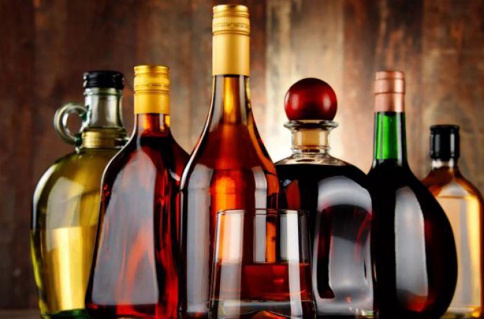 Названы два спиртных напитка, считающиеся самыми опасными для мозга