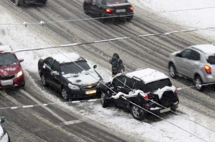 Как избежать аварии, если на вас несется автомобиль со «встречки»