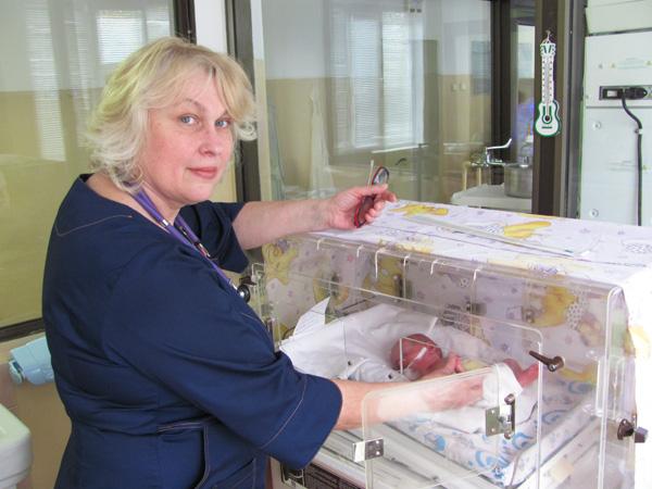 Украинские врачи выходили недоношенную девочку весом всего в 650 грамм. ФОТО