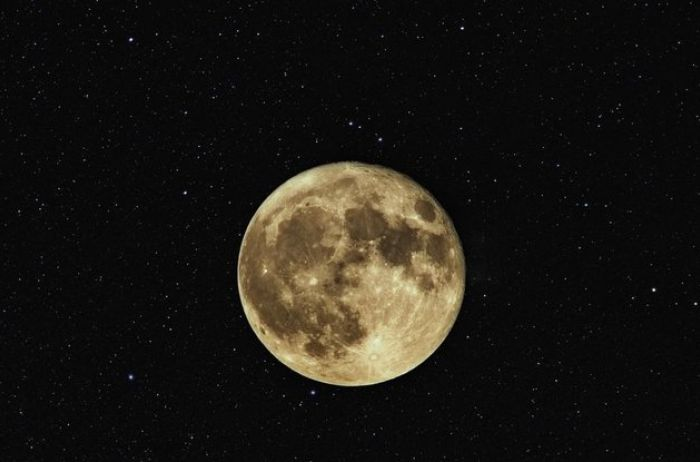 Полнолуние 12 ноября: эти знаки Зодиака будут в опасности