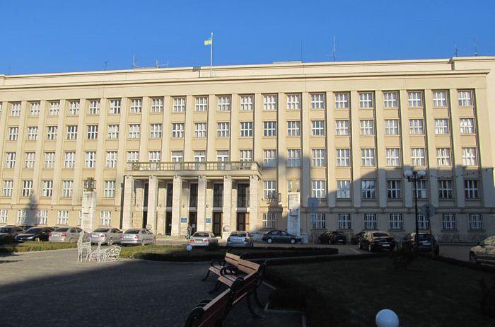 Депутаты Закарпатского областного совета требуют создать венгерский район