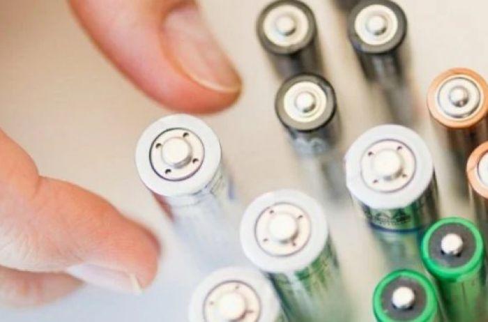 Как быстро понять, севшая батарейка или полная