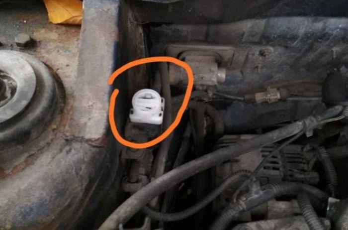 Об этой кнопке в автомобиле не знают почти все водители