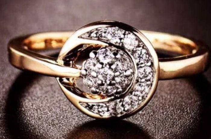 Этим знакам Зодиака лучше не носить золотые украшения