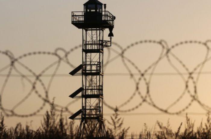 На Луганщине к 5 годам заключения приговорили двух человек за переправку нелегалов через границу