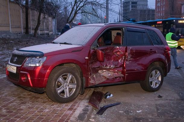 Масштабное ДТП в Киеве: пьяный водитель чуть не отправил на тот свет двоих попутчиков